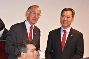 Chairman Warwick Morris with Minister Sun